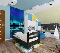 Fototapeta, wzory na ścianie i ciekawe meble ożywiają pokój dziecięcy