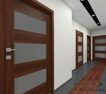 Podłoga korytarza łącząca szarą płytkę i gres imitujący drewno