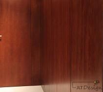 Drewno na ścianie kotyrarza