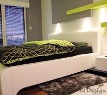 Białe łóżko w aranżacji sypialni